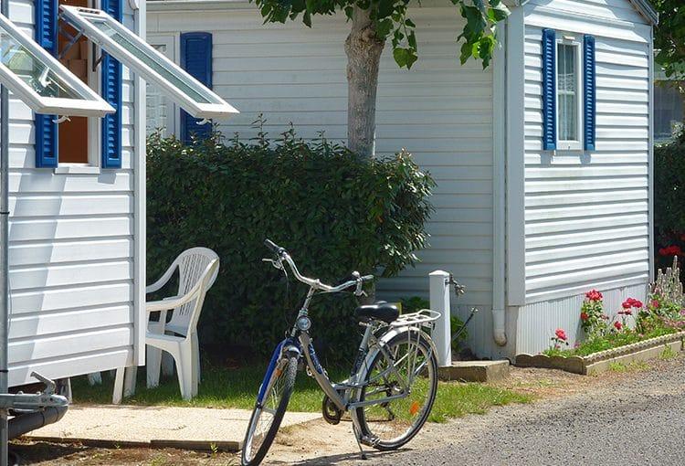 Vélo dans un camping du Calvados