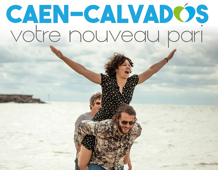 Jeunes gens sur une plage du Calvados