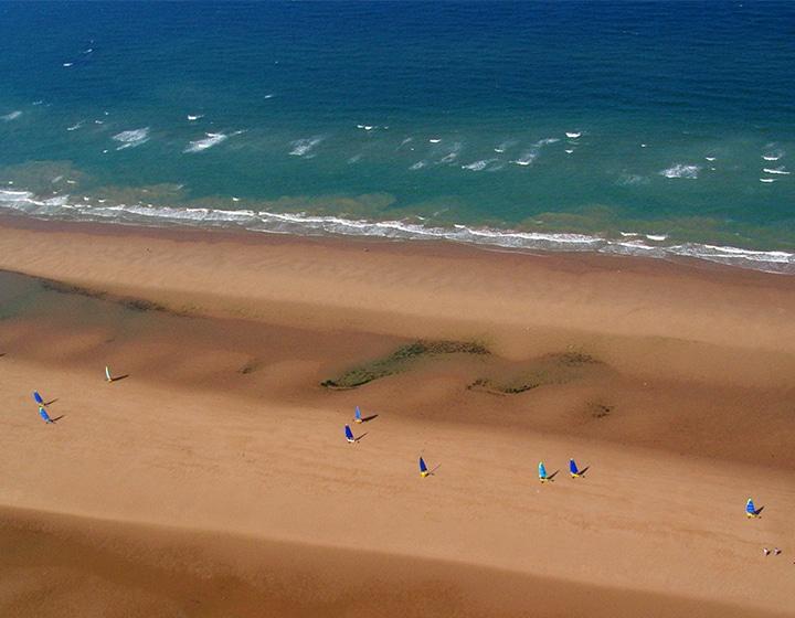 Char à voile sur une plage du Calvados