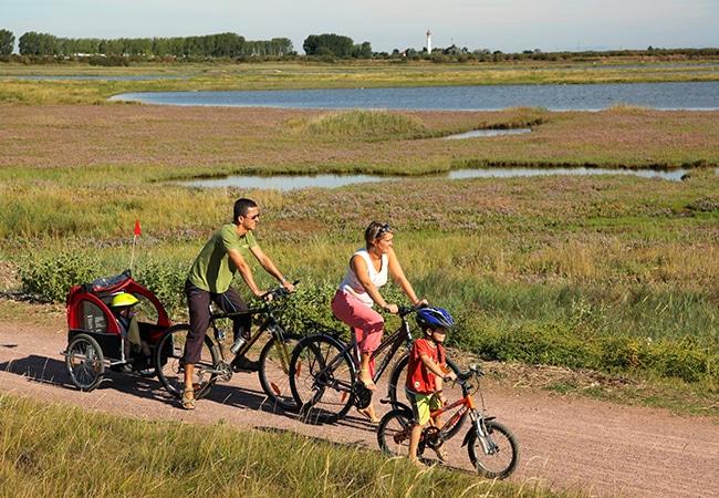 Balade en famille à vélo à Salennelles dans le Calvados