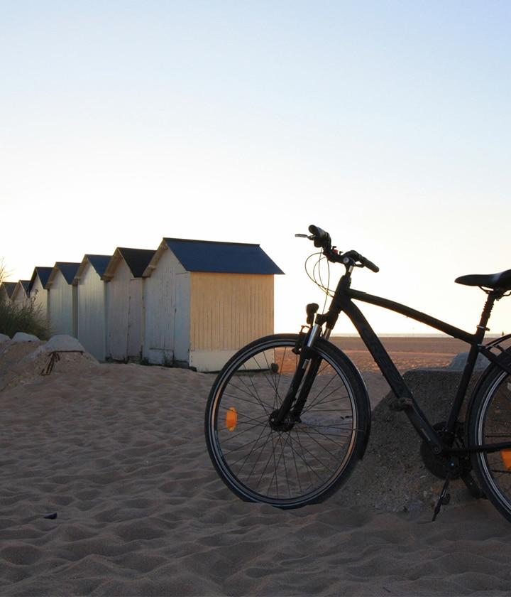 Vélo sur la plage de Ouistreham