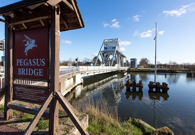 Le pont de Pegasus Bridge dans le Calvados en Normandie