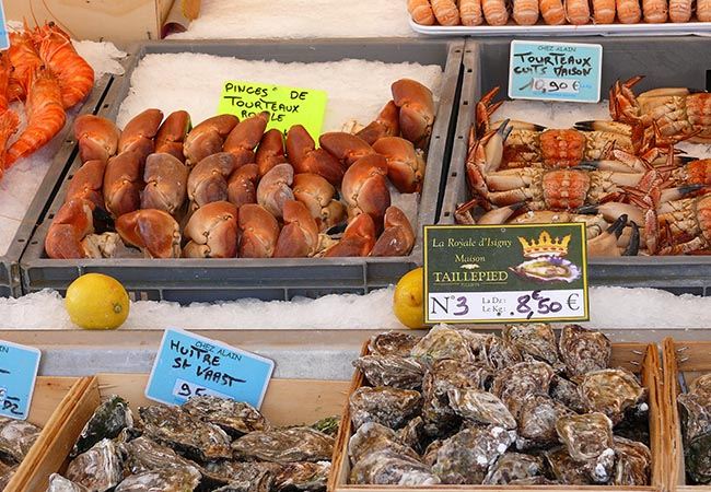 Fruits de mer à l'étal d'un marché du Calvados