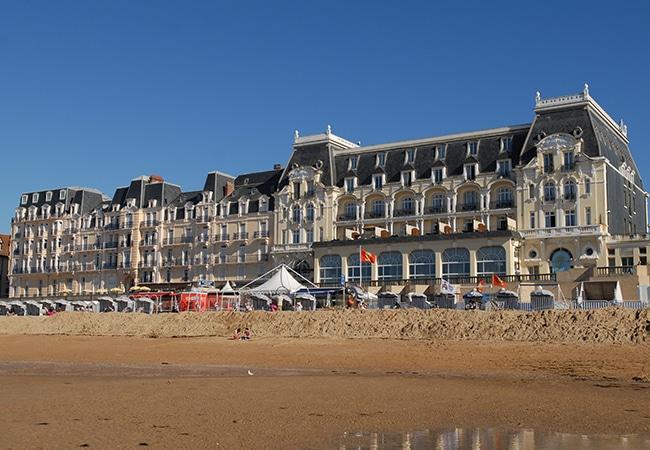 Le grand hôtel de Cabourg dans le Calvados