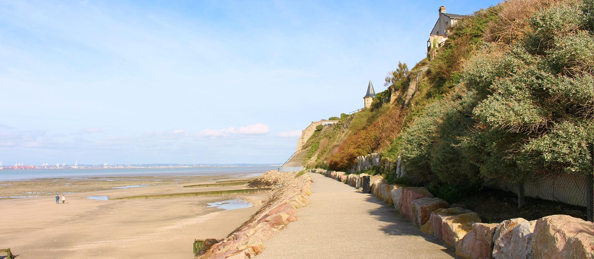 Balade sur la plage de Villerville dans le Calvados en Normandie