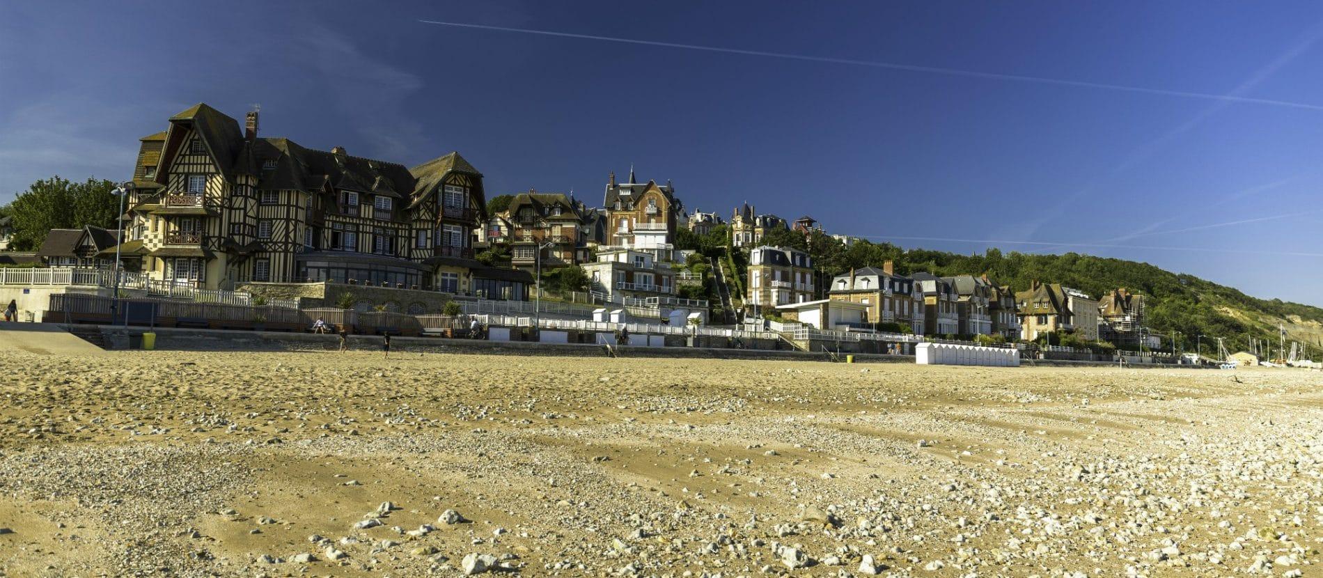 la plage de Villers-sur-mer et ses villas anglo-normandes