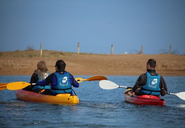 kayak dans la Baie de L'Orne à merville-Franceville, dan sle Calvados en Normandie