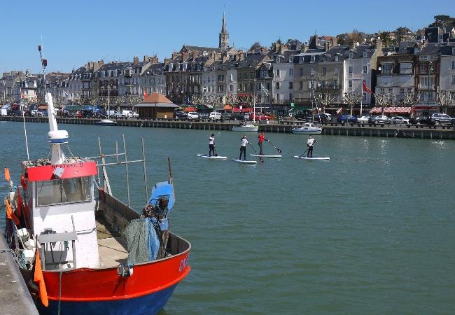Stand up paddle sortie accompagéne port de Trouvilel dans le Calvados en Normandie