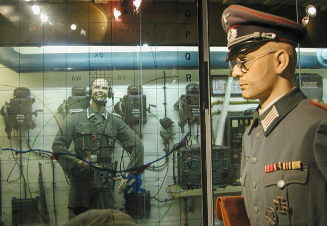 Mannequins soldats dans un musée