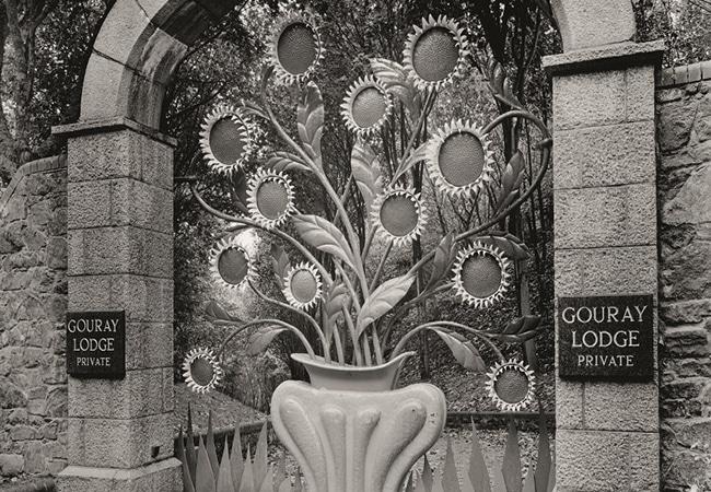 Sculpture en pierre de tournesol