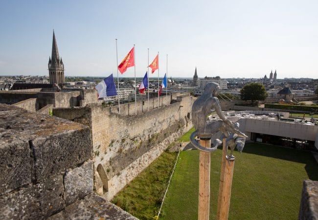Remparts du chateau de Caen depuis le rempart Est