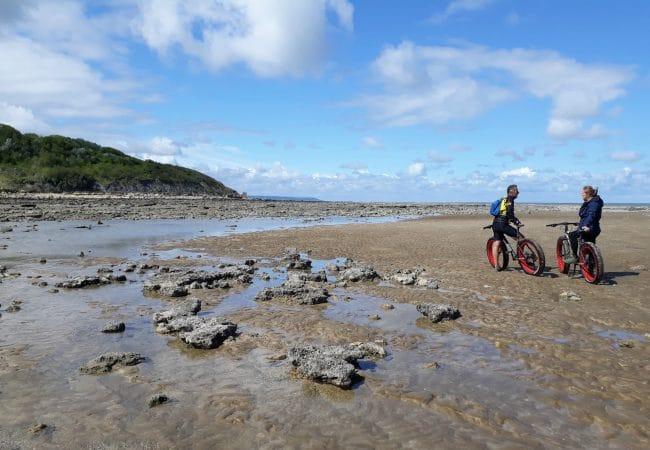 Fatbike sur une plage de Normandie