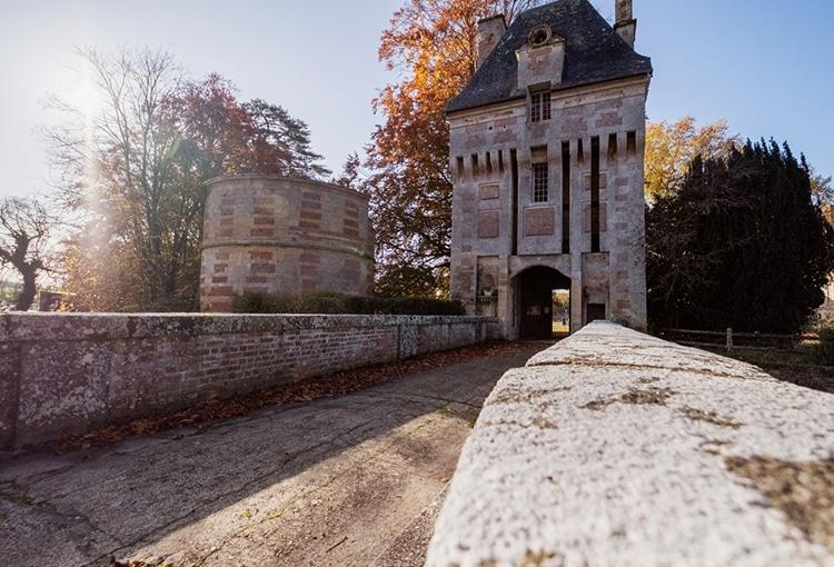Pont menant au château