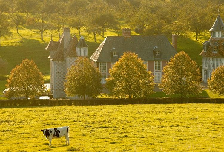 Château dans la campagne normande