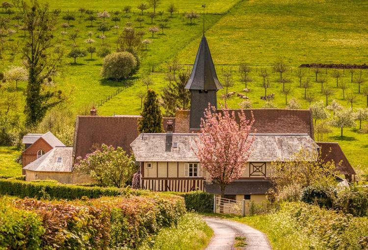 Maison dans la campagne normande