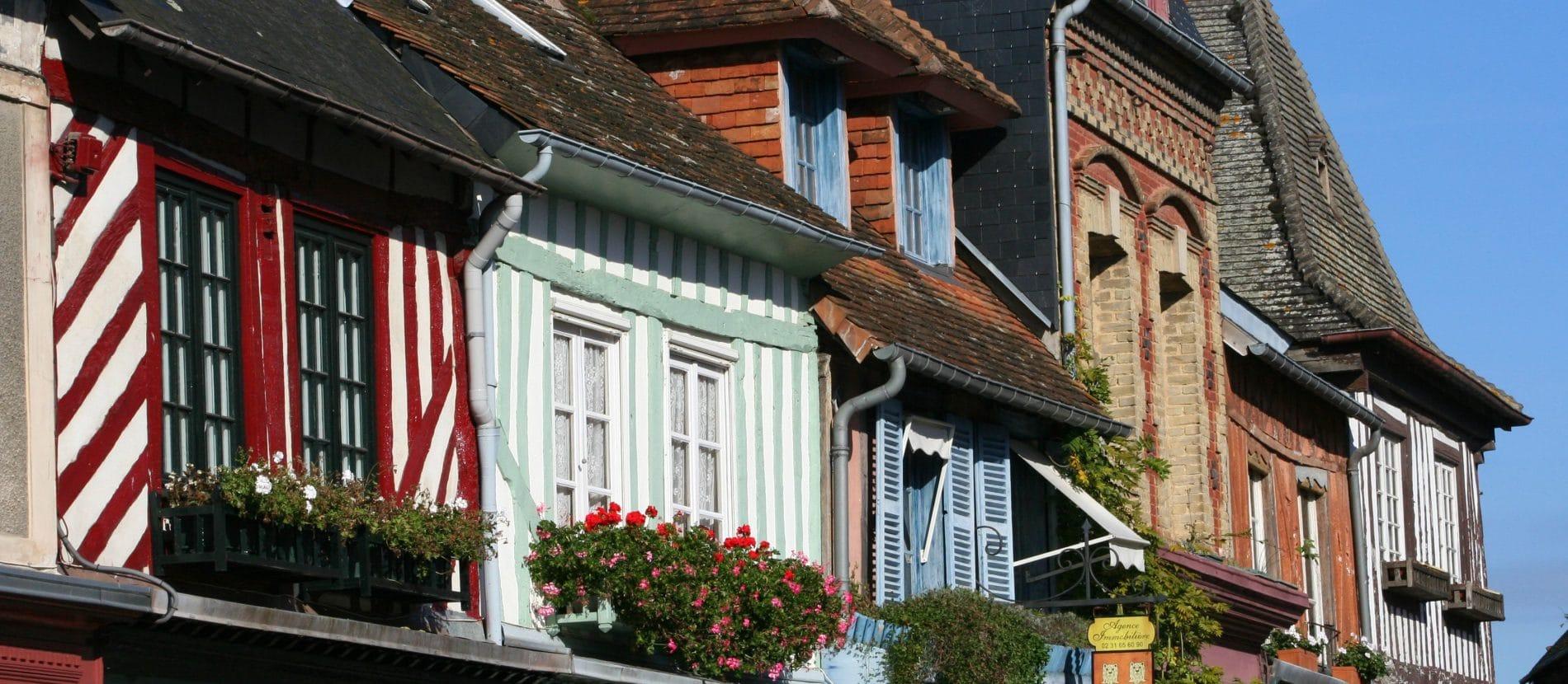 Vues sur les colombages de Beaumont-en-Auge