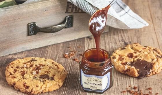 Crème caramel et cookies