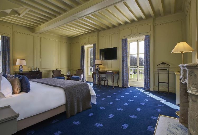 Chambre spacieuse de luxe