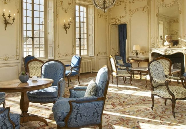 Grand salon de château