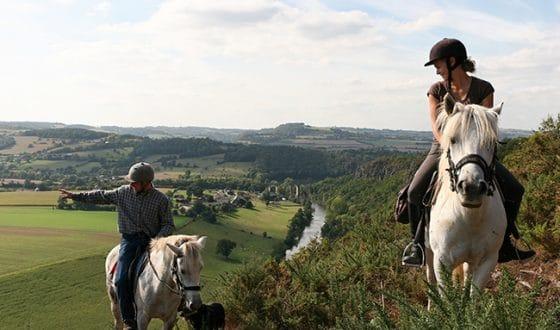 Balade à cheval dans la nature