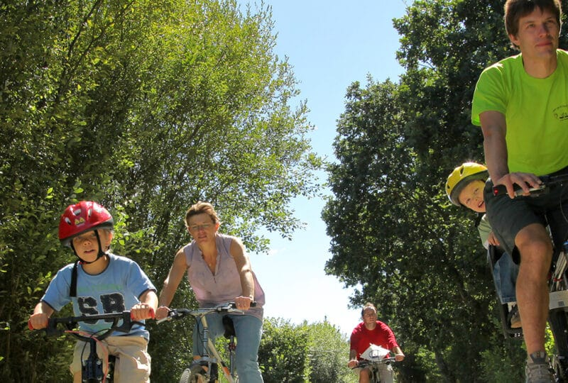 Balade en famille à vélo